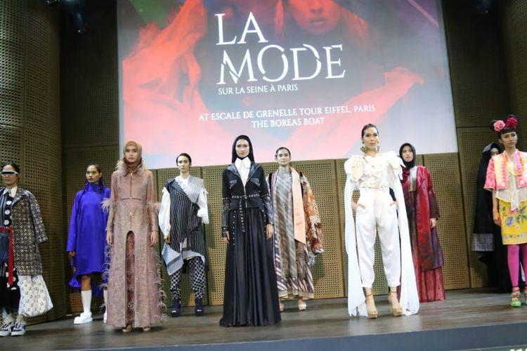Sebanyak 10 desain baju karya dua orang siswa BBPLK Semarang akan ditampilkan dalam ajang La Mode Sur La Seina a Paris, di Paris, Perancis, Minggu (29/9/2019).