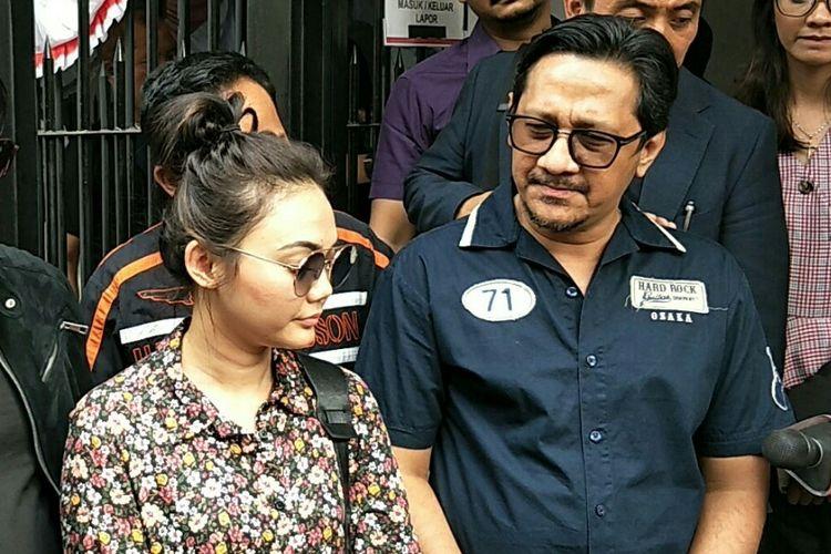Komedian Sule, Andre Taulany, Parto, Rina Nose dan Denny Cagur usai menjenguk Nunung di rutan narkoba Polda Metro Jaya, Semanggi, Jakarta Selatan, Kamis (25/7/2019).