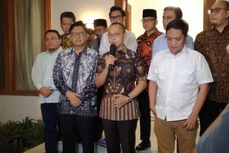 Sejumlah perwakilan partai politik koalisi Prabowo Subianto-Sandiaga Uno bertemu di Posko Pemenangan Partai Amanat Nasioanl (PAN) di Jalan Daksa I, Jakarta, Selasa (4/9/2018).