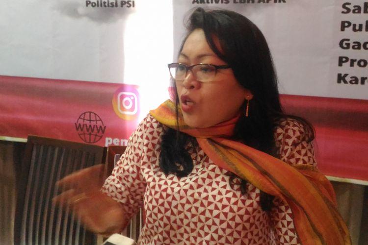 Aktivis LBH APIK, Ratna Batara Munti, saat selesai diskusi bertajuk Bisakah Poligami Dilarang di Indonesia?  di Jakarta, Sabtu (15/12/2018).