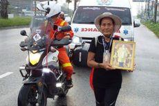 Demi Raja Bhumibol, Wanita Ini Jalan Kaki 842 Km dari Phuket ke Bangkok