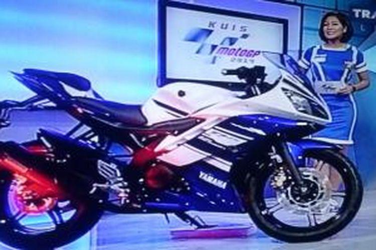 Sosok R15 buatan Indonesia dipajang selama kuis MotoGP di Trans7.