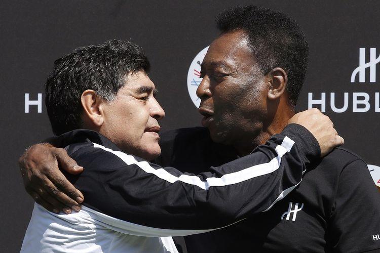 Diego Maradona (kiri) dan Pele (Kanan).