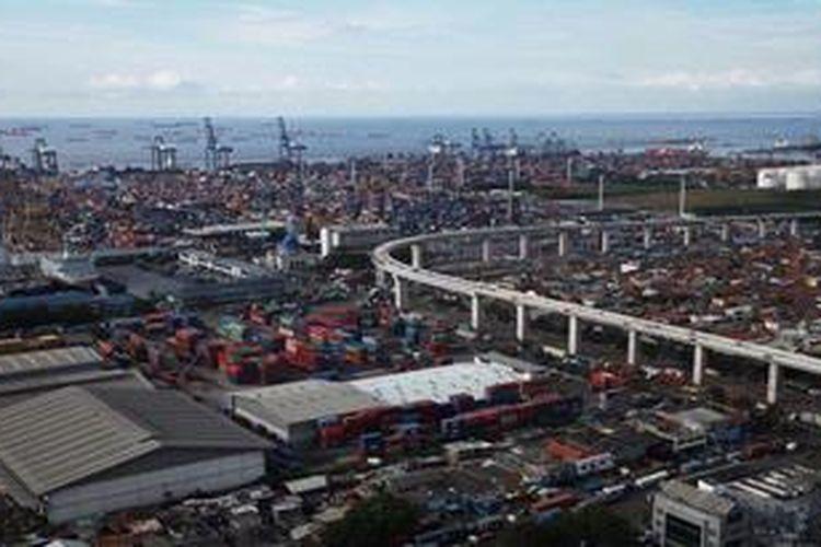 Proyek tol akses ke Pelabuhan Tanjung Priok, Jakarta, Jumat (31/5/2013).