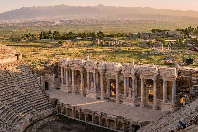 Reruntuhan Hierapolis di Pamukkale, Turki.