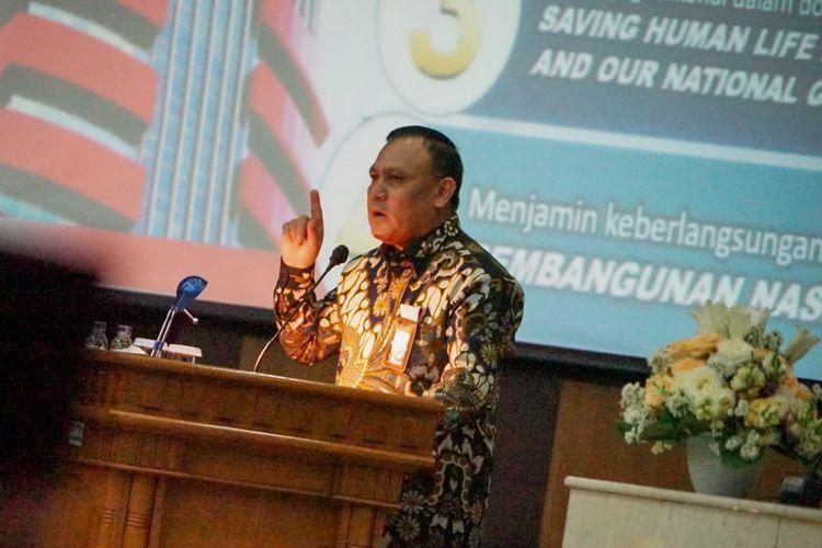 Ketua KPK Firli Bahuri dalam rapat koordinasi program pemberantasan korupsi terintegrasi di Gedung DPRD Provinsi Jawa Barat, Rabu (8/9/2021).