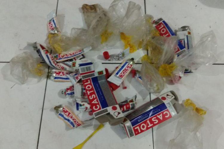 Barang bukti lem yang diamankan Polsek Tenggilis Mejoyo Surabaya