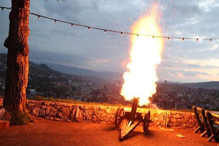 Dentuman meriam menuju Kota Sarajevo