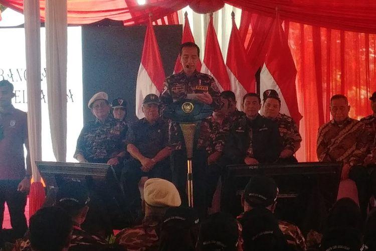 Presiden Jokowi saat membuka Jambore Bela Negara Forum Komunikasi Putra Putri TNI-Polri (FKPPI) di Bumi Perkemahan Ragunan, Jalan RM Harsono, Jakarta Selatan, Jumat (7/12/2018).