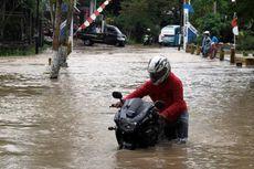 Pengguna Sepeda Motor Jangan Sembarangan Terjang Banjir