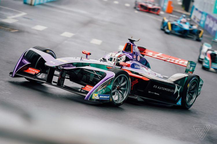 Formula E dianggap penyelamat dunia motorsport di masa depan, lewat teknologi ramah lingkungan.