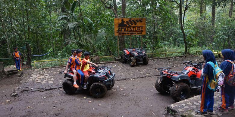 ATV Adventure di Mojosemi Forest Park, Kabupaten Magetan, Jawa Timur, Rabu (23/1/2019).