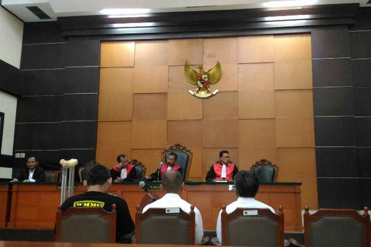 Sidang lanjutan perkara pidana perampokan dan pembunuhan di Pulomas dengan agenda pembacaan pleidoi atau pembelaan dari tiga terdakwa di PN Jakarta Timur, Selasa (3/10/2017).