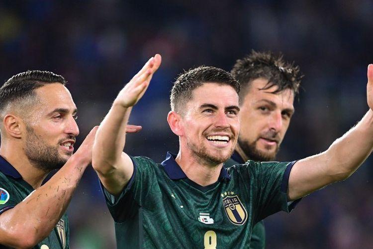 Jorginho merayakan golnya dalam laga Italia vs Norwegia pada lanjutan kualifikasi Euro 2020 di Stadion Olimpico, 12 Oktober 2019.