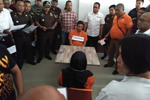 Tangis Istri Hakim PN Medan Saat Ikuti Rekonstruksi Pembunuhan Suaminya