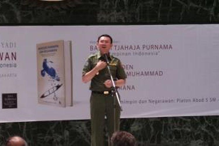 Plt Gubernur DKI Jakarta Basuki Tjahaja Purnama menjadi pembicara dalam diskusi kepemimpinan, di Balai Agung, Balaikota, Senin (3/11/2014).