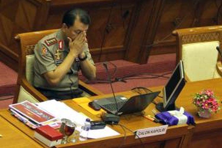 Calon Kapolri Komjen Pol Budi Gunawan mengikuti uji kelayakan dan kepatutan di Komisi III DPR RI Gedung Parlemen, Senayan, Jakarta Selatan, Rabu (14/1/2015). Sebelumnya Komjen Pol Budi Gunawan telah ditetapkan sebagai tersangka oleh Komisi Pemberantasan Korupsi tekait dugaan rekening gendut Polri. (TRIBUNNEWS/DANY PERMANA)
