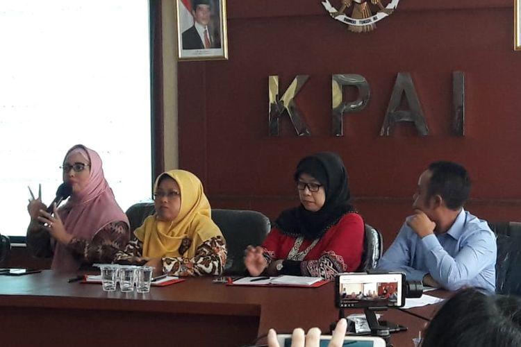 Komisioner Komisi Perlindungan Anak Indonesia (KPAI) menggelar jumpa pers di kantornya terkait insiden anak komedian Nunung yang dibuli di Menteng, Jakarta Pusat, Selasa (23/7/2019).