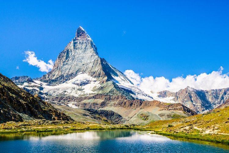 Ilustrasi Swiss - Pemandangan Gunung Matterhorn di Zermatt, Swiss (SHUTTERSTOCK/Jakl Lubos).