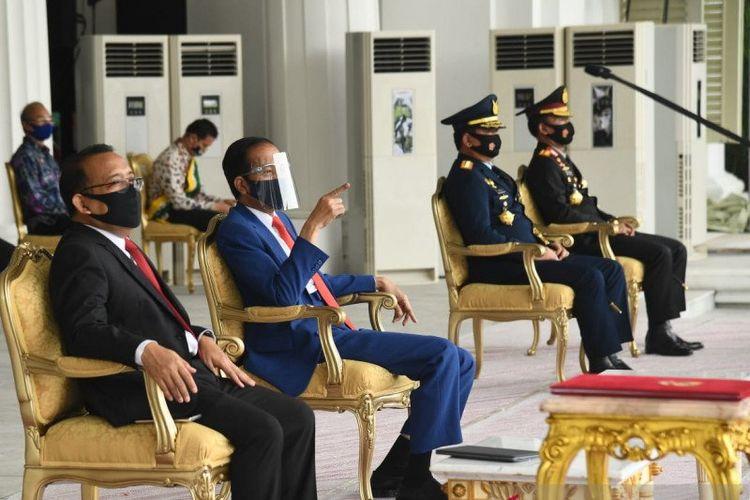 Presiden Joko Widodo saksikan geladi peringatan detik-detik Proklamasi Kemerdekaan (Biro Pers Setpres)