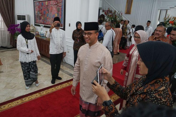 Gubernur DKI Jakarta Anies Baswedan bersilaturahim dengan Wakil Presiden Jusuf Kalla di rumah dinas wapres, Jalan Diponegoro, Menteng, Jakarta Pusat, Jumat (15/6/2018).