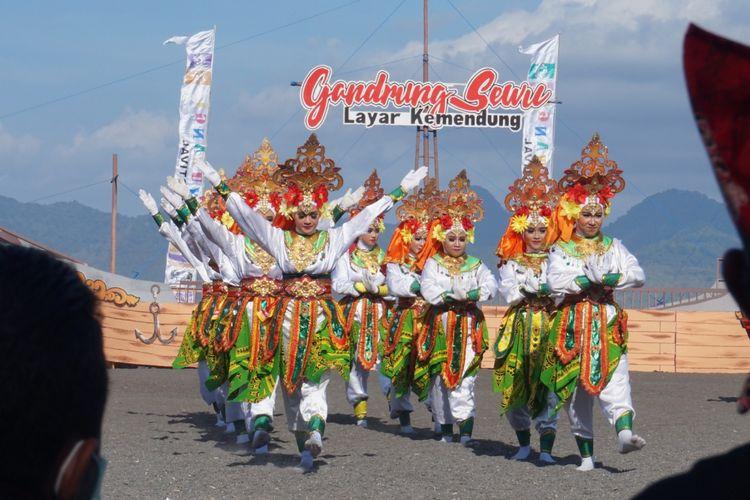 Tari pembuka di festival Gandrung Sewu 2018