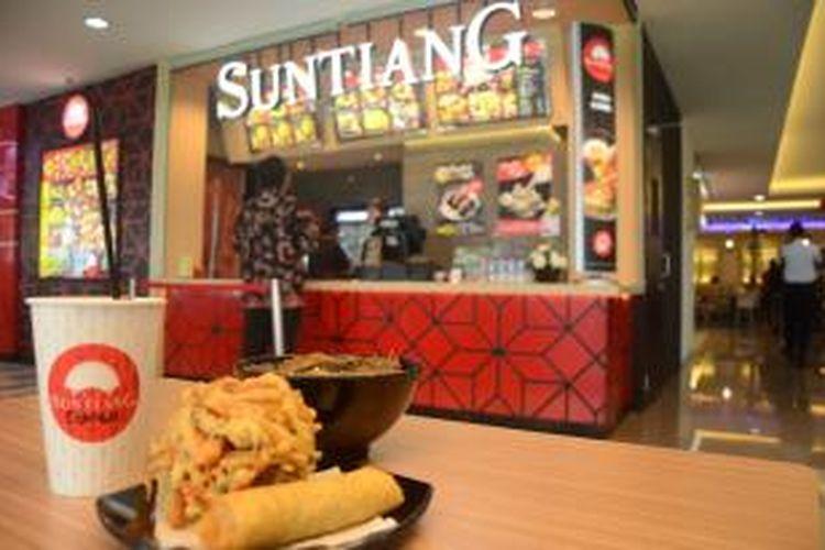 Suntiang Express merupakan outlet terbaru dari Suntiang yang sebelumnya tersebar di PIM 2 dan Grand Indonesia. Namun Suntiang Express lebih mengedepankan sistem penjualan makanan Padang - Jepang express yang bisa dinikmati dengan cepat.