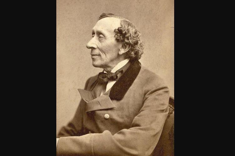 Hans Christian Andersen yang lahir pada 2 April 1805 telah banyak menulis karya dongeng anak-anak yang terkenal hingga saat ini.
