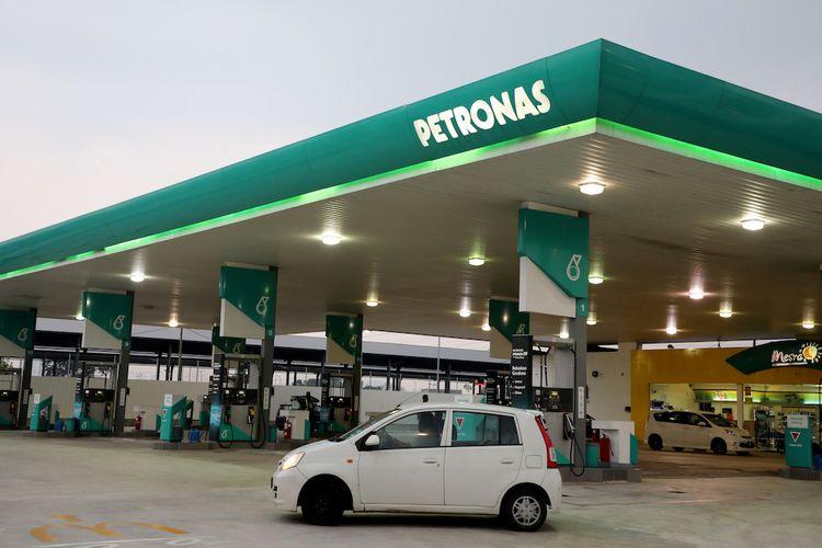 Ilustrasi SPBU Petronas di Kuala Lumpur, Malaysia.