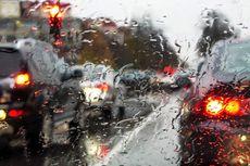 Tips Berkendara yang Aman Saat Mengalami Gejala Aquaplaning