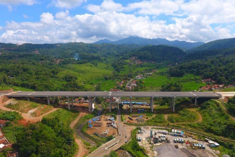 Jalan Tol Cisumdawu di Jawa Barat