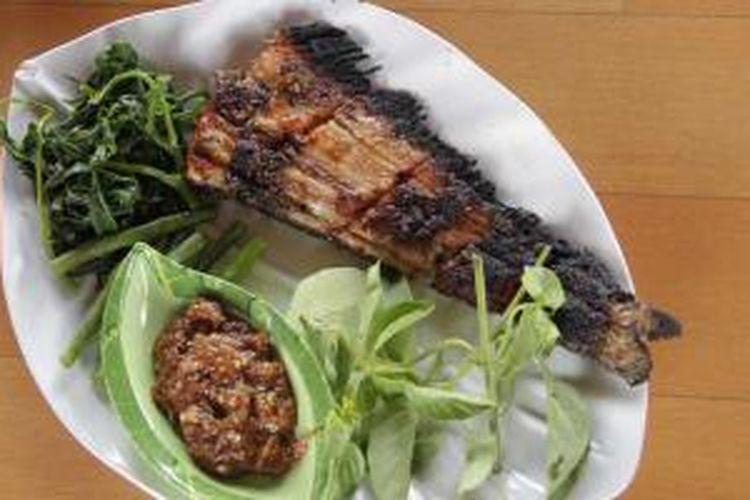 Ikan Jelawat di Warung Kampoeng Delin, Sampit, Kalteng.