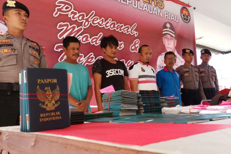 Direktorat Reserse Kriminal Khusus (Ditreskrimsus) Polda Kepri kembali berhasil mengamankan 39 pekerja migran Indonesia ilegal yang akan dikirim ke Malaysia via jalur Singapura.