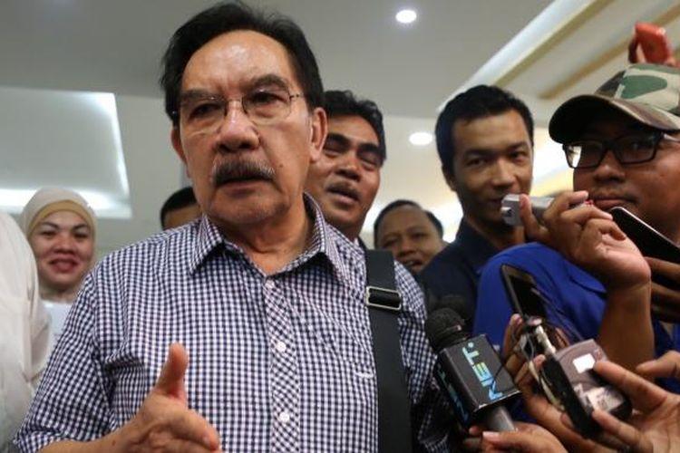 Antasari Azhar saat meninggalkan Kantor Direktorat Reserse Kriminal Khusus, Polda Metro Jaya, Jakarta, Rabu (1/2/2017).