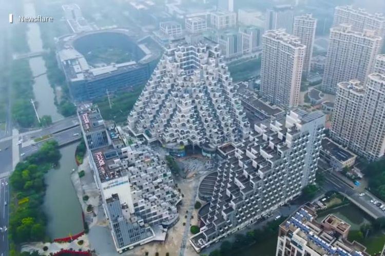 Apartemen Piramid di China
