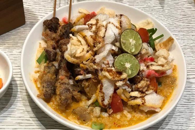 Gulai Tikungan yang biasanya berada di pinggiran jalan area Blok M kini naik kelas dan masuk di daftar menu sTREATs Restaurant di Ibis Styles Jakarta Tanah Abang.