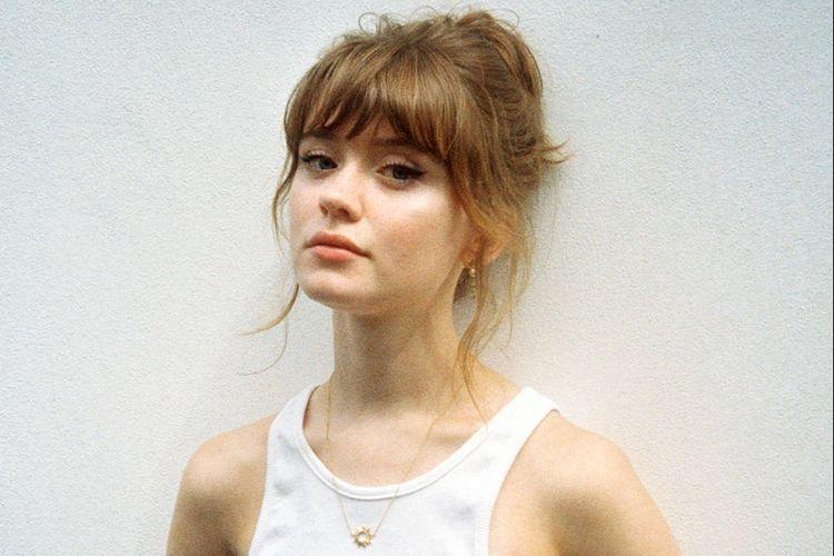 Maisie Peters adalah penyanyi asal Inggris.