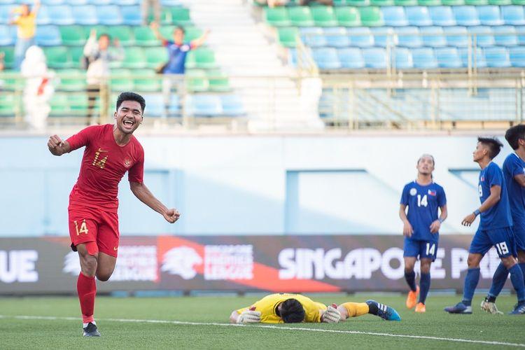 Asnawi Mangkualam mencetak gol kelima timnas U-23 Indonesia saat menghadapi Filipina di Stadion Jalan Besar, Singapura, pada ajang Merlion Cup 2019.