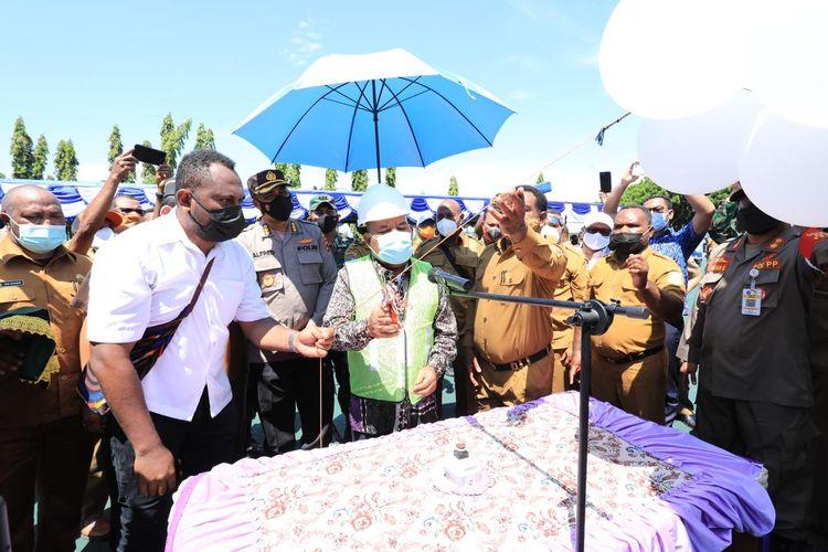 Gubernur Papua, Lukas Enembe, melakukan pencanangan pembangunan lima kantor pemerintahan dan kelembagaan, Jayapura, Papua, Senin (19/7/2021).
