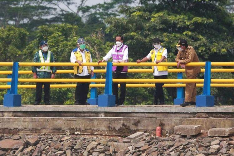 Presiden Joko Widodo meresmikan bendungan Sindangheula di Kabupaten Serang, Banten