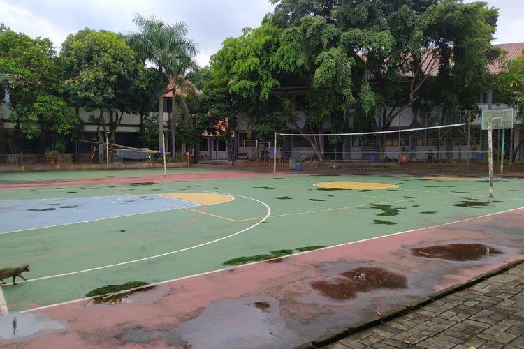 Suasana SMAN 7 Kota Tangerang yang sepi karena para siswa diharuskan belajar dari rumah, Selasa (5/1/2021) sore.