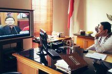 Ahok Tonton Deklarasi Jokowi lewat Televisi