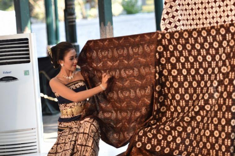 ?Jogya Internasional Batik Bienalle 2018? (JIBB), di Pegelaran Kraton, DI Yogyakarta dan akan berlangsung 2-6 Oktober 2018