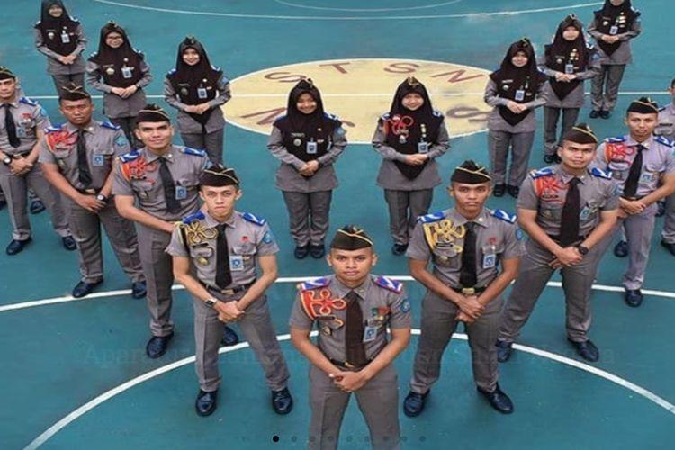 Sekolah Kedinasan Politeknik Siber dan Sandi Negara di bawah Badan Siber dan Sandi Negara (BSSN) .