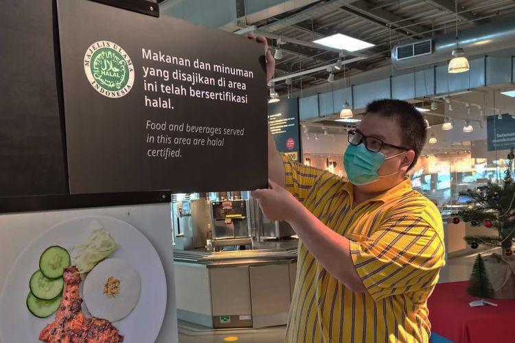 IKEA Restoran dan Cafe dapat sertifikasi halal dari MUI.