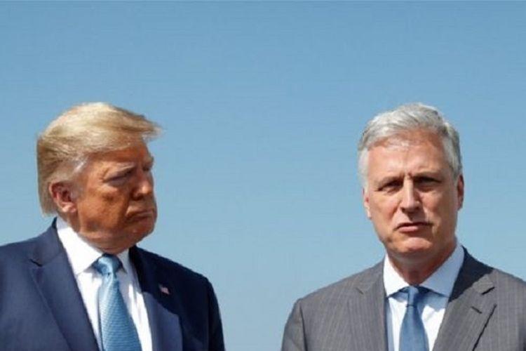 Presiden Amerika Serikat Donald Trump bersama dengan penasihat keamanan nasionalnya, Robert OBrien.