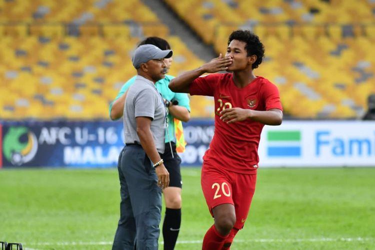 Bagus Kahfi merayakan gol Timnas U-16 Indonesia ke gawang Iran pada pertandingan Piala Asia U-16 di Malaysia, 21 September 2018.