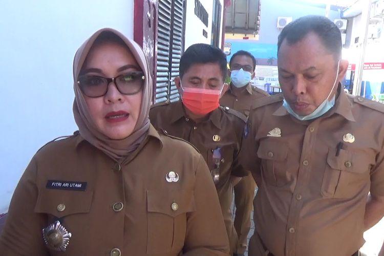 Kepala Cabang Wilayah 2 Makassar dan Gowa DInas Pendidikan Propinsi Sulawesi Selatan memberikan klarifikasi terkaitdengan tewasnya seorang siswi di Kabupaten Gowa, Sulawesi Selatan akibat depresi dengan beban tugas daring dan keterbatasan internet. Senin, (19/10/2020)