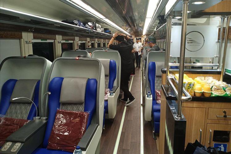 PT Kereta Api Indonesia mengoperasikan empat kereta sleeper terbaru, Luxury 2, Minggu (26/5/2019).