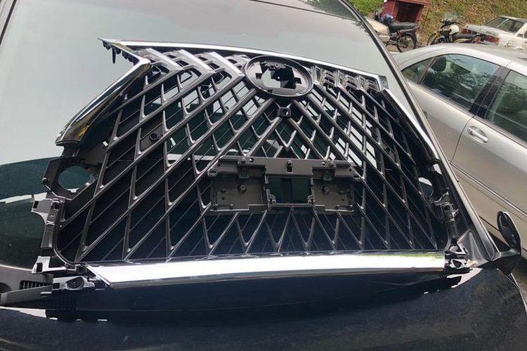 Gril Lexus LM 350